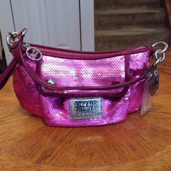 Coach Handbags - Coach Poppy purse